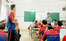 第一郡裴氏春高中學校學生學習生活技能課。