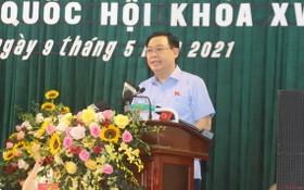 國會主席王廷惠在選民接觸會上闡述自身的行動計劃。(圖源:吳光勇)