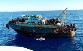 蘭佩杜薩(Lampedusa)是突尼斯和利比亞移民的主要偷渡入境點之一。(圖源:EPA)