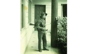 劉茂森於1975年4月30日與華運其他幹部接管藍星俱樂部並於此駐守。