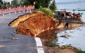 圖為2020年5月27日,安江省 91 號國道部分路段坍塌現場。(圖源:玉民)
