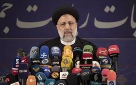 當地時間2021年5月15日,伊朗司法總監萊西完成總統大選報名登記,並出席新聞發佈會。(圖源:互聯網)
