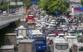 新山一機場外圍街道經常發生堵車情況。