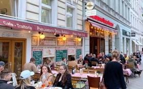 德國柏林的餐廳再度迎來用餐的顧客。(圖源:互聯網)