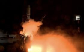 """當地時間5月28日,俄羅斯國家航天集團""""聯盟-2.1b""""運載火箭攜帶36顆英國一網(OneWeb)公司通信衛星從俄東方航天發射場點火升空。(圖源:互聯網)"""