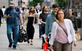 澳大利亞日前一項新研究發現,血壓對於男性和女性患癡呆症風險的影響不同,女性患癡呆症風險會隨血壓升高而增加。(示意圖源:AFP)