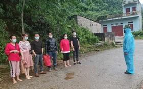 邊防部隊查獲的非法入境者。(圖源:邊防部隊提供)