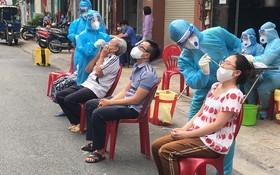 全區居民接受採樣檢測。