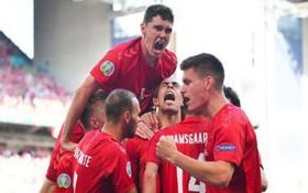 丹麥球員慶祝進球。(圖源:互聯網)