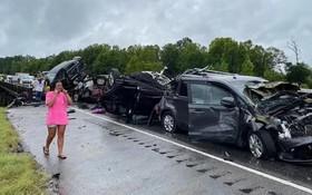 風暴導致亞拉巴馬州發生奪命多車相撞後串燒。(圖源:互聯網)