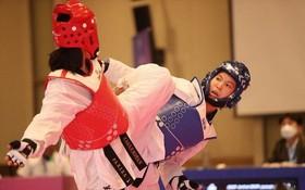 越南選手張氏金玄(右)擊敗多名對手出色奪取金牌。(圖源:TTO)