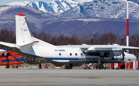 在彼得羅巴甫洛夫斯克機場看到的安-26 客機。(圖源:路透社)