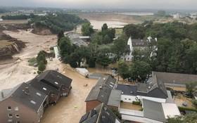 德國Erftstadt-Blessem遭到洪水侵襲的城鎮。(圖源:互聯網)
