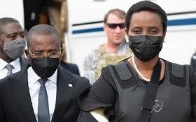 海地總統遺孀回國參加丈夫葬禮