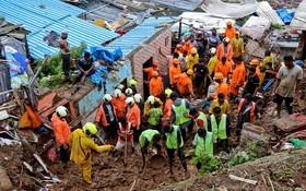 印度搜救人員在瓦礫堆中挖掘、搜索失蹤者。(圖源:互聯網)