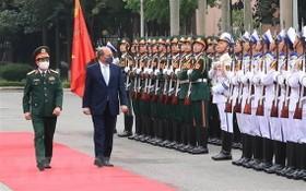 英國防大臣訪問越南