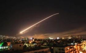 敘利亞防空部隊夜間攔截以軍導彈空襲。(圖源:互聯網)