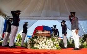當地時間7月23日,莫伊茲葬禮在海地角舉行。(圖源:路透社)