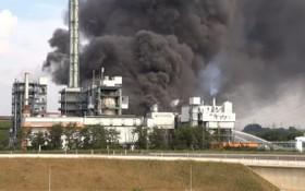 德國西部北威州勒沃庫森一處化工園區突發爆炸,現場濃煙滾滾。(圖源:互聯網)