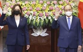 國家主席阮春福會見美國副總統卡瑪拉‧哈里斯。(圖源:越通社)