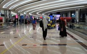 獲批旅遊簽證的遊客,抵埗後必須在機場接受快速病毒測試。(圖源:Shutterstock)