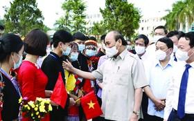 國家主席參加安沛省民族高中校開學典禮