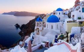 圖為希臘知名景點聖托里尼一景。(圖源: 互聯網)