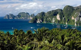 甲米府諾帕拉塔拉海灘-皮皮群島一景。(圖源: 互聯網)