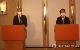 9月14日,在日本,美國對朝特別代表星·金(左)、韓國外交部韓半島和平交涉本部長魯圭悳出席記者會。 (圖源:韓聯社)