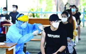 市民在接種疫苗。(圖源: 緣潘)