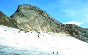 專家預計由於氣候變化法國奧索冰川將在二〇五〇年左右消失。(圖源:互聯網)