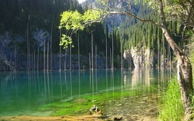 如詩如畫的卡因德湖。