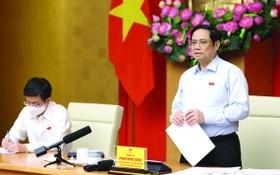 政府總理范明政與芹苴選民接觸。(圖源:VGP)