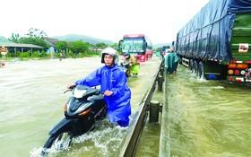 順化市大雨後多處受淹。