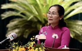 市人民議會主席阮氏麗在會議上致閉幕詞。(圖源:自忠)