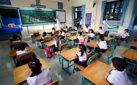 芹耶縣盛安島鄉一年級小學生上課一景。(圖源:TTO)