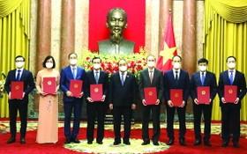 國家主席委任8位駐外國大使