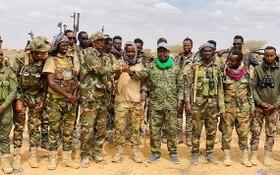 加勒穆杜格地方武裝人員。(圖源:SONNA)