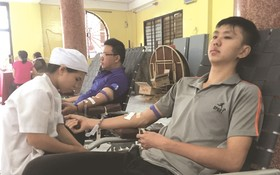 群眾積極響應捐血活動。(圖片來源:磊磊)