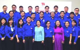 本市青年以智慧出席全國共青團大會。