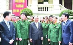 政府總理阮春福向《人民軍隊報》領導致予節日祝賀。