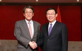 """〔本報消息〕在""""日本-中部北面地區會晤""""會議範圍內,政府副總理王廷惠昨(26)日上午接見了日本駐越大使梅田邦夫。"""