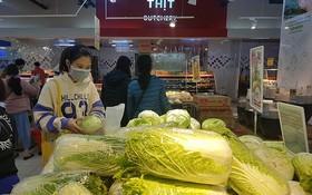 超市、商店裡的貨品充足。