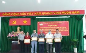 5位獲表彰的個人都是華人,具體是陳昌留、駱蘇蝦、馮金鳳、賴生宋、蘇文州