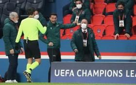 巴黎VS伊斯坦布爾的第四官員可能面臨至少10場禁賽。
