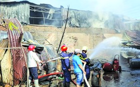 平政縣公安昨(12)日與市公安廳消防與救援警察科(PC07)配合調查當地火警的起因。