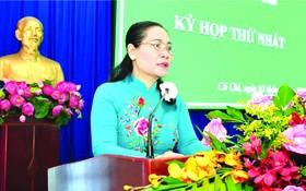 2021-2026年任期第十一屆古芝縣人民議會昨(2)日召開首次會議,共有34名代表參加。市委副書記、市人民議會主席阮氏麗出席並發表指導意見。