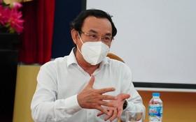 黨中央政治局委員、市委書記阮文年
