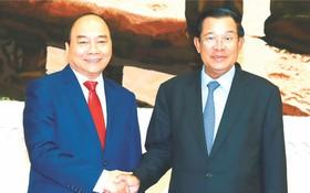 阮春福總理與柬埔寨首相洪森會晤。