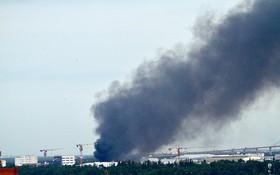 現場冒起濃煙。